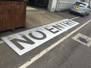 Extra large no entry sign stencil kit
