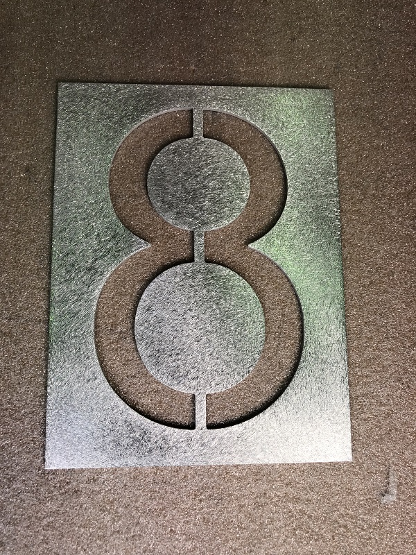 Number 8 large 150mm stencil